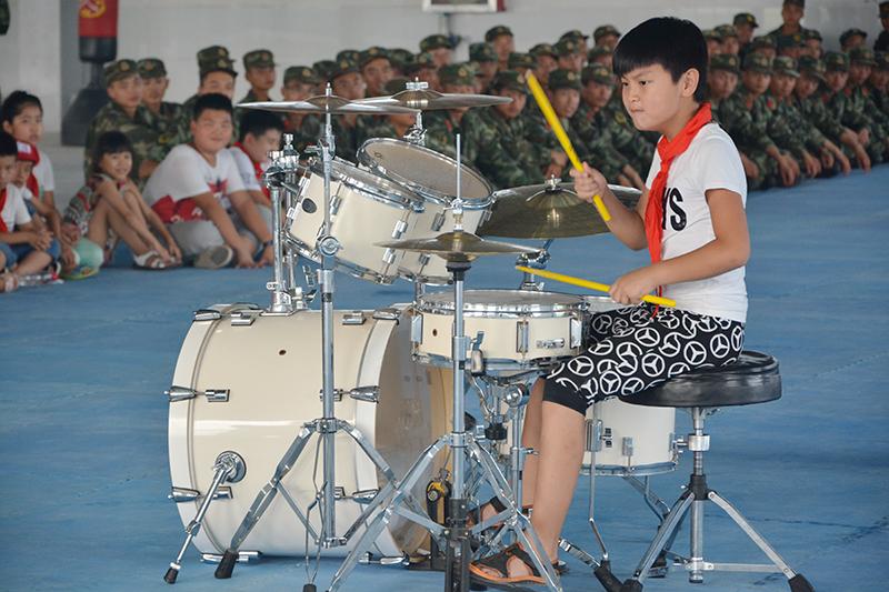 耳熟能详的古典吉他独奏《神话》-鹤壁市湘江小学开展 红领巾动感