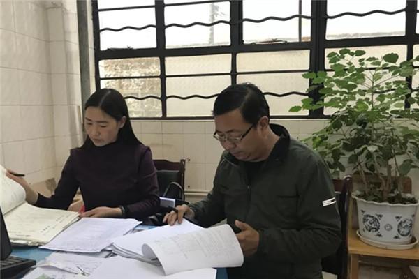 凤山小学进行教师教育教学工作月考核活动